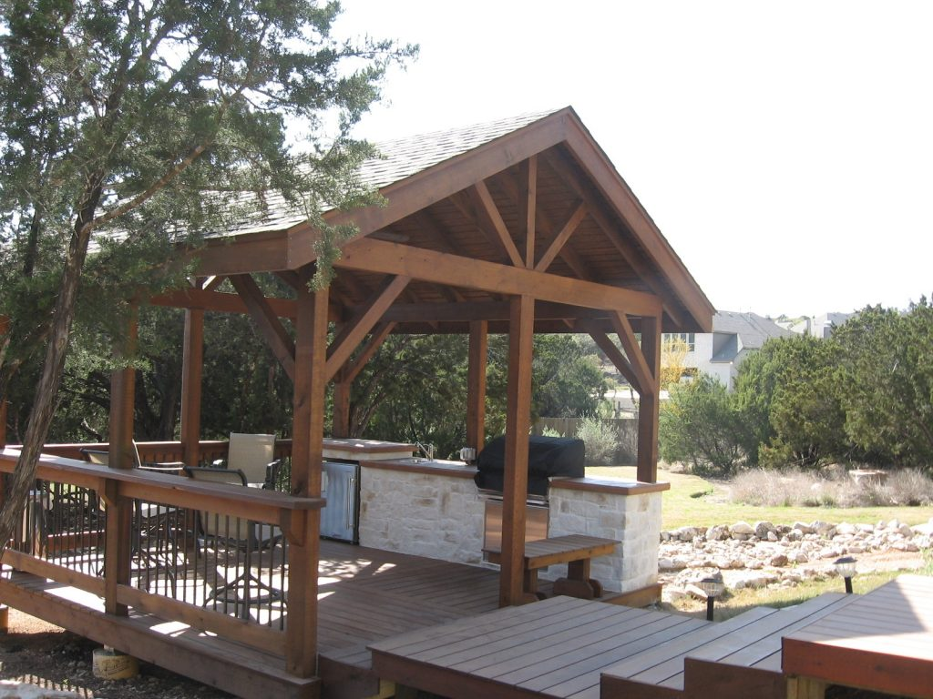 Cedar Outdoor Kitchen
