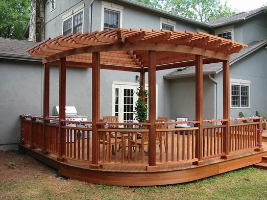 Cedar pergola shading an Ipe deck